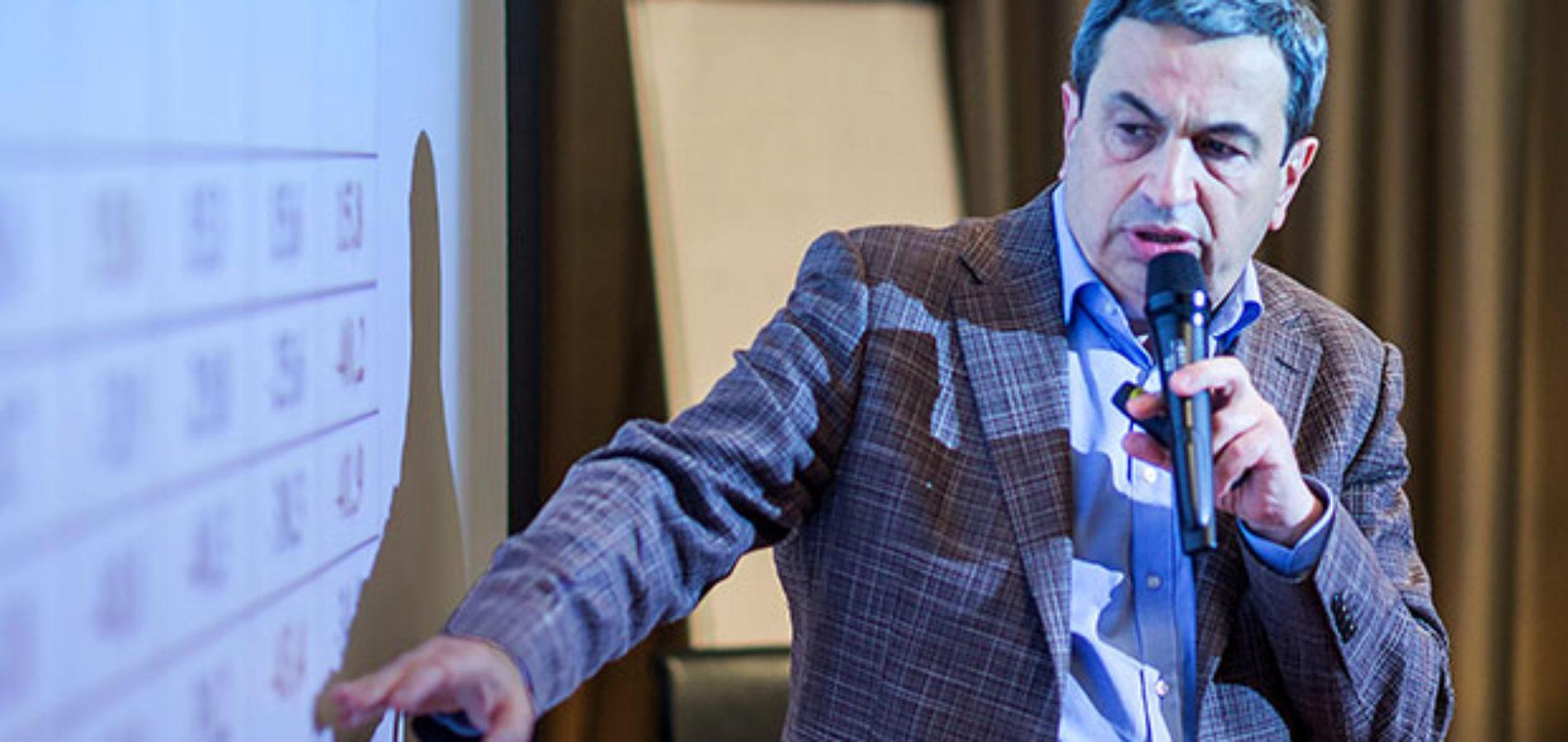 Миркин: достигла ли экономика «дна» — это гадание на кофейной гуще